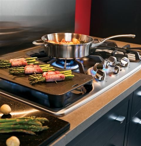 """CGP650SETSS 