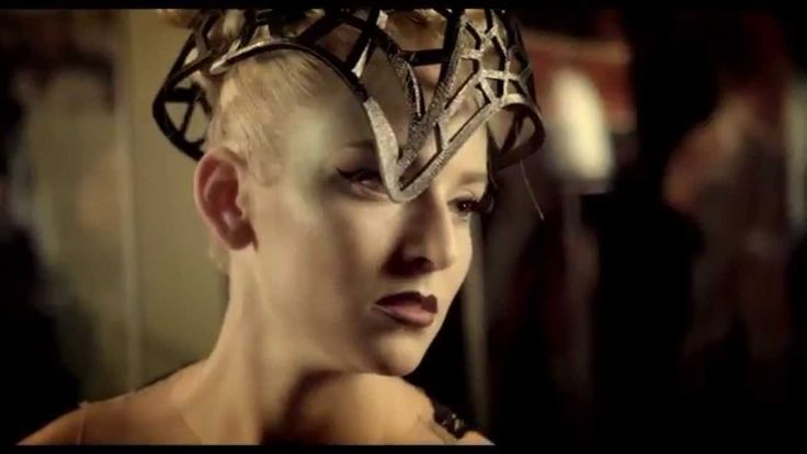 Niki Lazaridou - Freelance Photographer Video: David Claar Jr. Model: Diana Haney MUA: Anastasia Vladi Hair: Michael Albor & Rachel Graham Designer: Candice Wu Couture Headpiece: Alexa Cach of House of Cach Location - Body Worlds Vital (Boston)