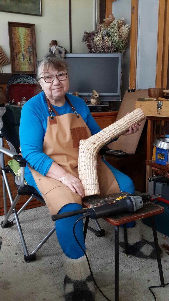 """Бабушка обожает мастерить из дерева. Фартук """"Столяр"""" из вощеного хлопка  ей в помощь."""