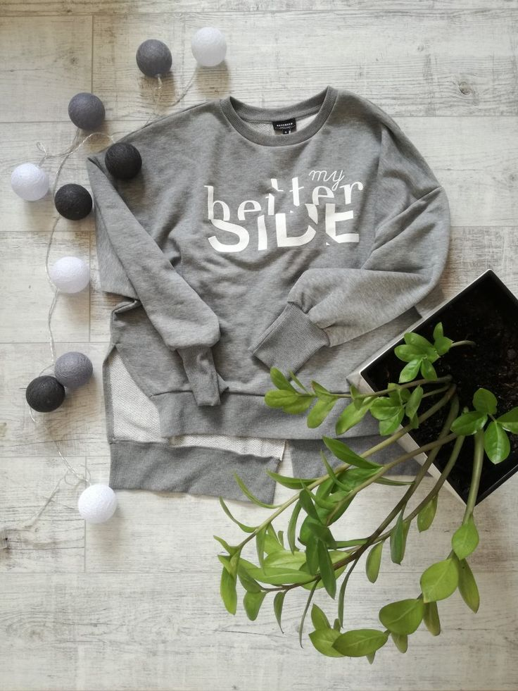 Grey. Hoodie. Led boules. Flower. Reserved