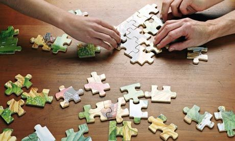 People-putting-puzzle-tog-008.jpg (460×276)