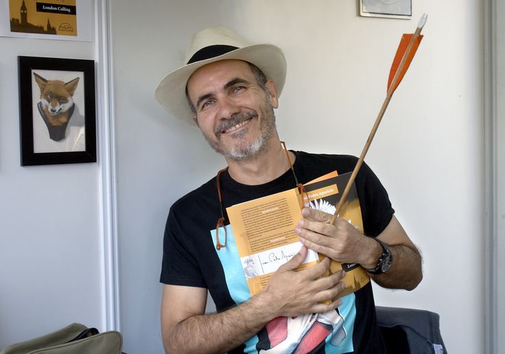 14/06/15 Cerramos casi como empezamos......Fernando Vicente, creador del cartel de la feria. Foto © Jorge Aparicio/ FLM15