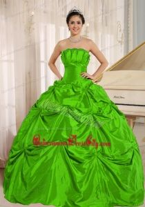 Green Ball Gown Quinceanera Dress With Pick-ups For Custom Made Taffeta