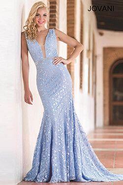 Hermosa en este vestido de color azul pálido #Jovani 22917