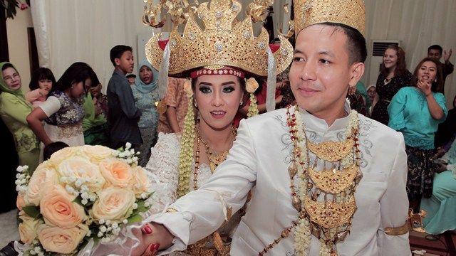 Pernikahan Adat Lampung Sarah dan Reza di Jakarta