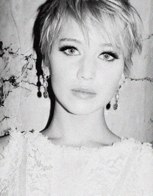 Jennifer Lawrence .... 2014. This is to pretty not to pin!
