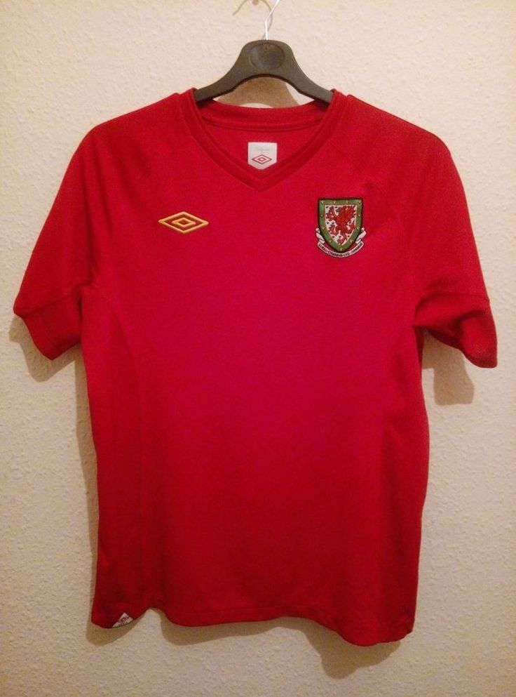WALES Football Shirt 2010 Umbro Cymru Red Home Embroidered Vented Jersey Size M