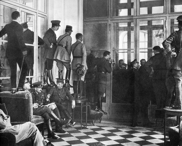 the end of world war i and the treaty of versailles The first world war will officially end on sunday, 92 years after the guns  the  treaty of versailles, where germany was made to sign the 'war.