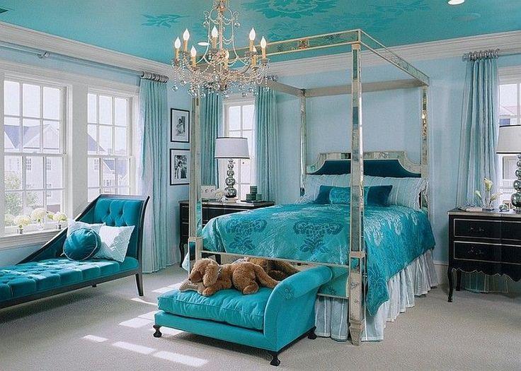 chambre baroque -lit-baldaquin-literie-turquoise