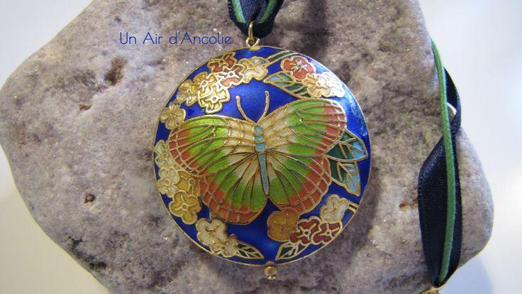 Pendentif Papillon, Ruban et Cordon, finitions dorées - Bleu Cobalt, Vert, Bleu Nuit - Esprit asiatique