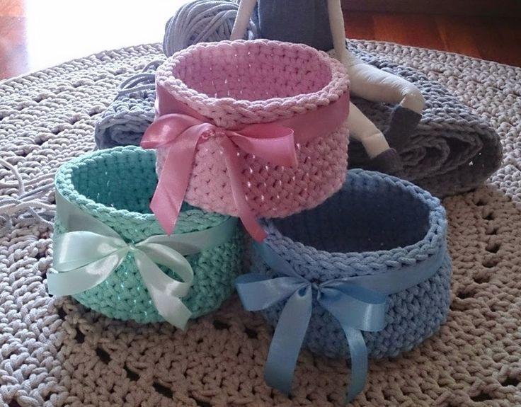 Szydełkowe koszyki w pastelowych kolorach w Motilove na DaWanda.com