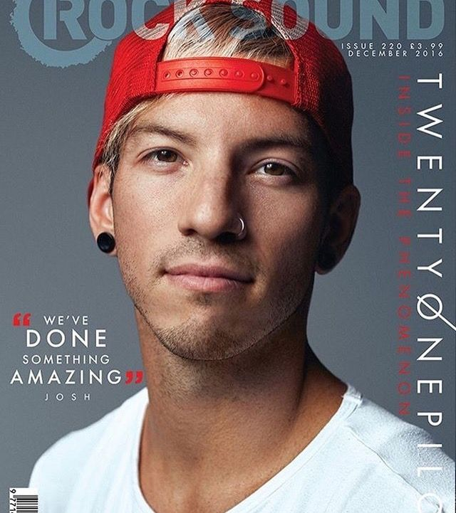 (1/3) JOSH DUN ON THE COVER OF ROCK SOUND MAGAZINE I AM LIVING HOLY CRAP!!!! #twentyonepilots #twoinamillion