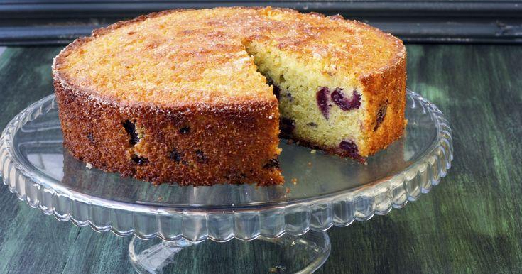 Ricette di torta di mandorle - Scopri la collezione completa di ricette di Torta di mandorle spiegate passo-passo, illustrate con foto e spiegazioni facili!