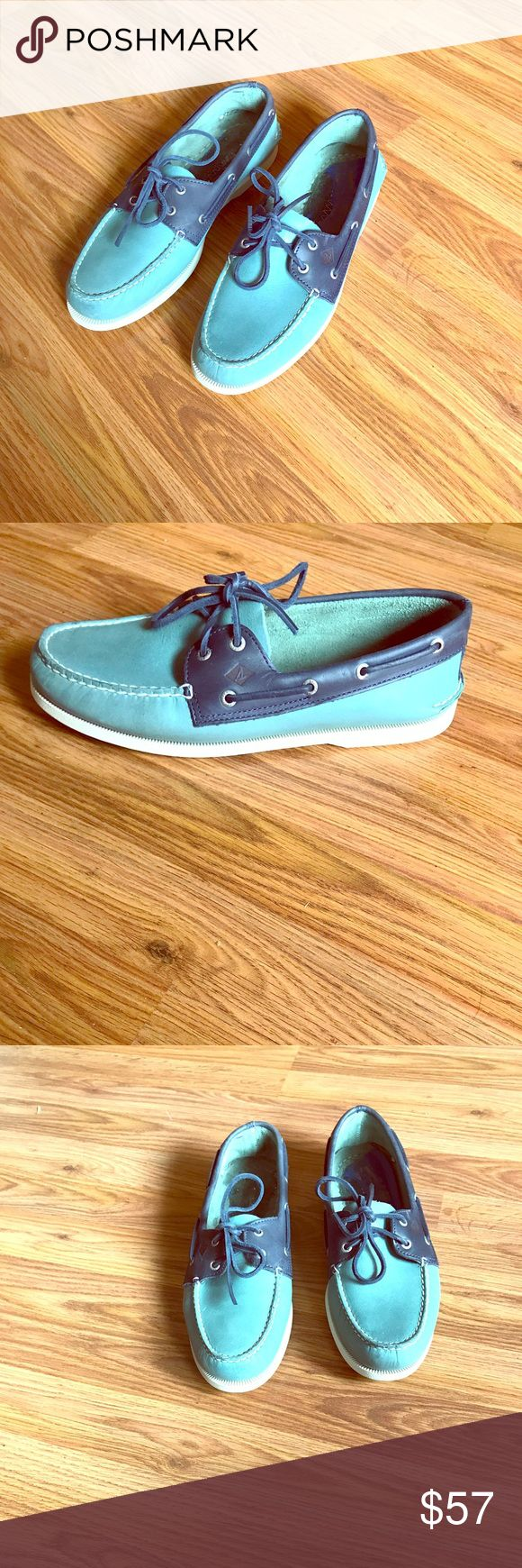 Men's Sperry - Never worn! Top-Sider Boat Shoes Sperry Top-Sider A/O 2-Eye Sarape Blue Surf/Navy Men's Boat Shoe. The shoes are brand NEW and have never been worn. However, the original insoles have been removed (see picture above for a visual image of what I am referring to). Nonetheless the shoes are still Brand New the only imperfection is they don't have insoles; but are very cheap to purchase if you choose to. Sperry Top-Sider Shoes Boat Shoes