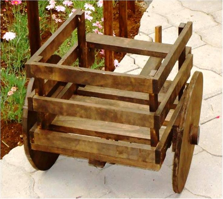 Carreta de madera porta maceta ideal para el jard n o en - Maderas para jardin ...