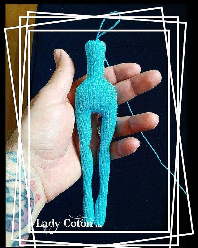 #amigurumi#weamiguru#crochet#crochetdoll#10marifet#elemeğigöznuru#gurumigram#amigurumiaddict#craft#amigurumis#puppe#handarbeit#crochetaddict#knittingwithlove#mutlulukyakalanir#hanimelindenamigurumi#häkeln#haken#forkids#crochetaddict#crocheting#crochetart#örgüseverler#hekledilla#sagliklioyuncak#uncinetto#crochetpattern#karkusuyunevi