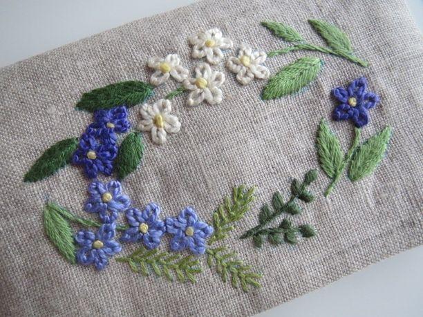 刺繍のカードケース(パープルの花) 2x