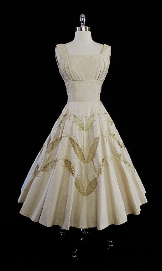 1950's Embroidered Leaves Dress