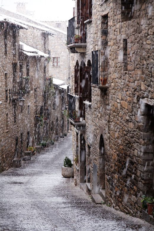 The Medieval town of Aínsa is a gateway to the high Pyrenees mountains in the province of Huesca, Aragón.Photo ©Mike Randolph