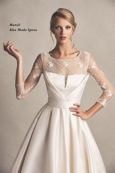 Audry, abito da sposa con morbide scultoree in mikado e pizzo ricamato. #Dettagli Couture #marsilmodasposa #weddingdress #bridaldress #madeinitaly