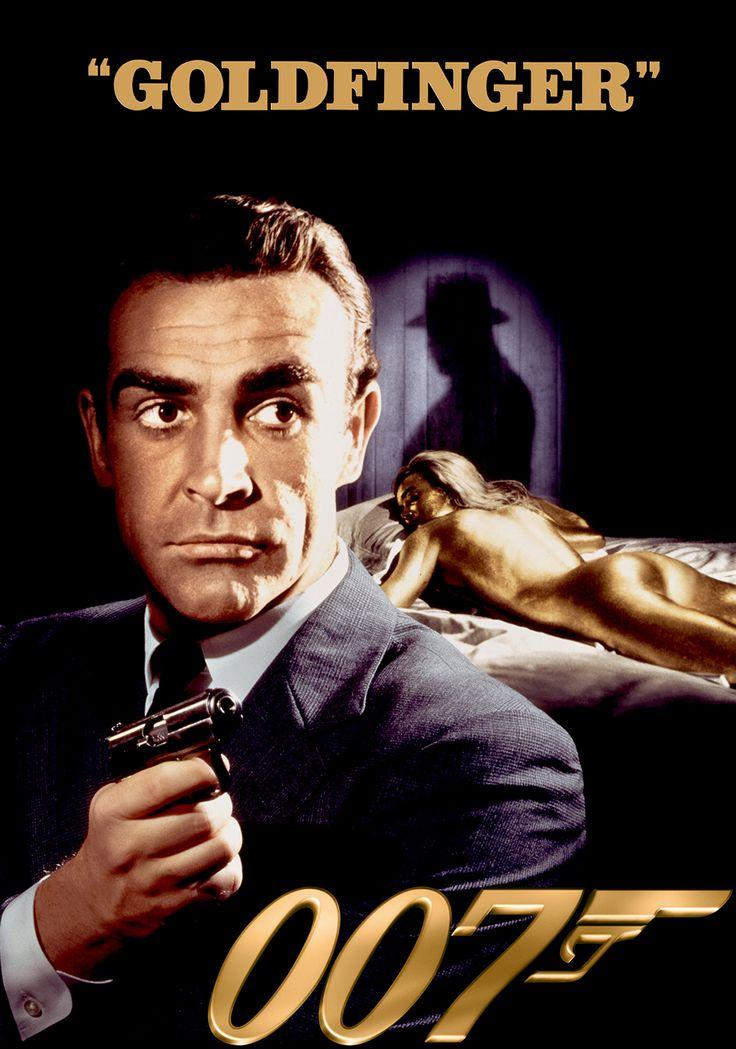 Après avoir détruit la base secrète d'un baron de la drogue mexicain1, James Bond se rend à Miami Beach, en Floride. À l'hôtel Fontainebleau, l'agent de la CIA Felix Leiter transmet à Bond un message de M demandant de surveiller Auric Goldfinger, un industriel milliardaire obsédé par l'or.