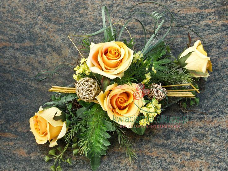Wiązanka na cmentarz – sztuczne róże | Kwiaciarnia Olkusz