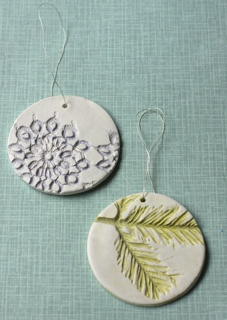 Lasting impressions of fleeting greenery on these gift tags/ornaments. Air-dry clay + glaze/paint