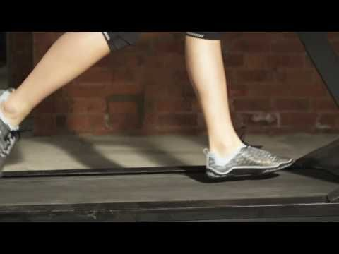 Learning the skill of barefoot running -- a must-watch video for anybody who runs
