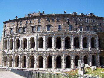 Teatro di Pompeo, 61 a.C. Primo teatro di Roma costruito in muratura.Da zona del Campo Marzio.Oggi appartiene al rione di Parione.