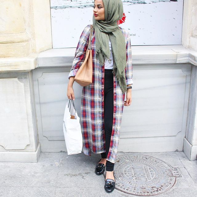 Again, checked shirts - changed my mind <3 . Loving this long blouse and scarf from @aabcollection #Fall4Aab