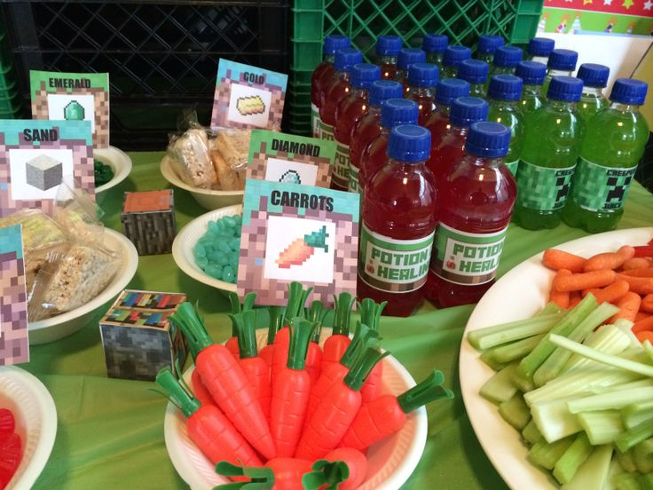 Fun snacks with tent cards that are inspired from #Minecraft