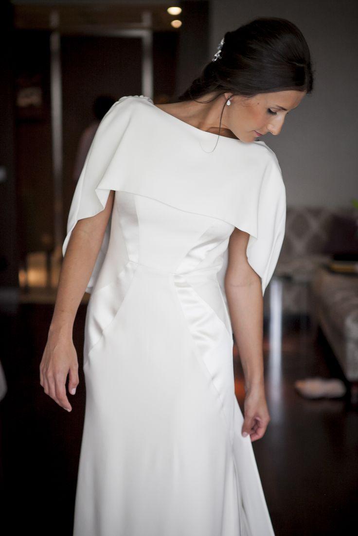 Vestidos de novia con capa de Paredero Quiros