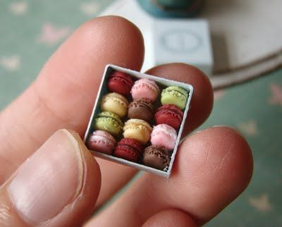 polymer clay macaroons...this blog is fascinating to me. all mini food scenes, so cute.