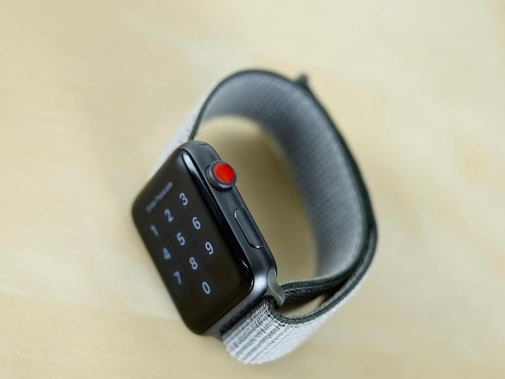 Apple Watch Series 3 first impressions: No LTE issues, battery life is surprising | ZDNet