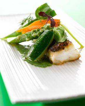 Kabeljauw in kruidenkorst met fijne groentjes en crème van bladpeterselie - Solo !