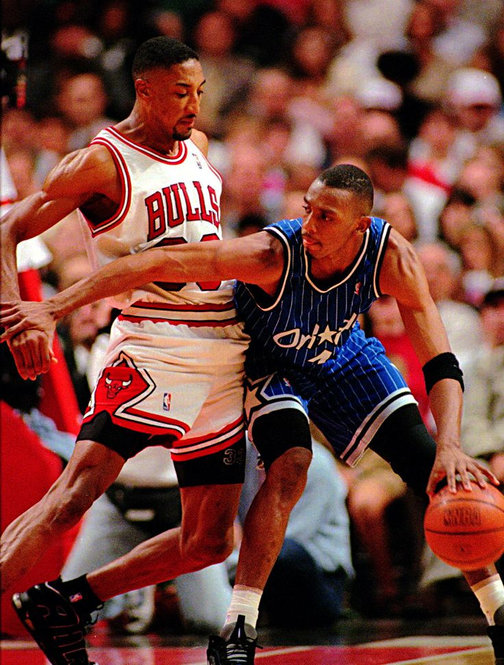 Penny Posting Up Scottie, '96 East Finals.