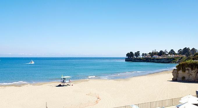 Dream Inn in Santa Cruz, CA...I must fly here soon.