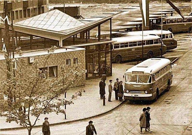 TÖRTÉNELMI KALEIDOSZKÓP...: Autóbusz pályaudvarok anno 1. / Többi képért katt ...