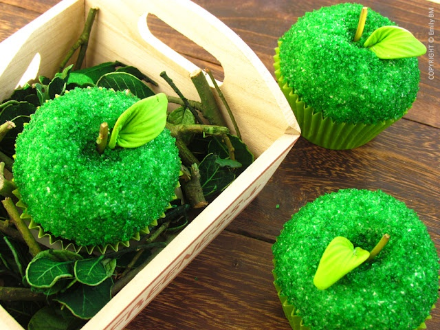 green apple cupcakes - GREAT FOR ROSH HASHANA!!!