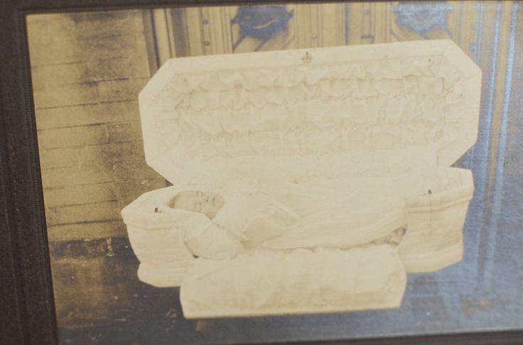 CABINET CARD Photograph Post Mortem Little Child in Funeral Casket Antique   eBay