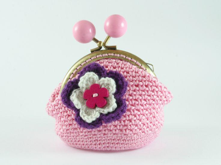 portamonete rosa con fiori di Un Cesto di Gomitoli su DaWanda.com