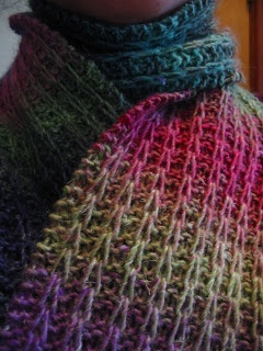 """""""My Garter Slipped"""" Scarf! Will use this free pattern to make quick cowl gifts."""