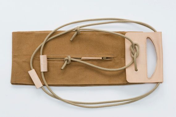 big canvas popup bag with leather handles / di chrisvanveghel