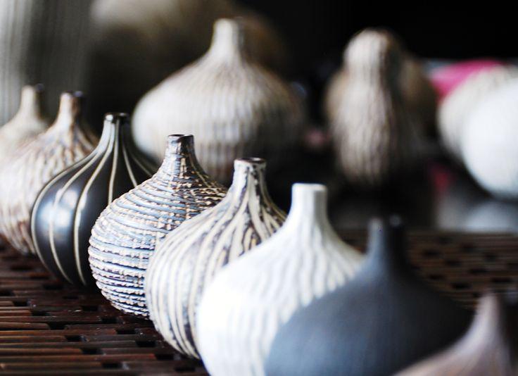New bud #vases from Art Floral Trading = black & white + organic textures. #LVMkt #FirstLookLVMkt #InBlack&White
