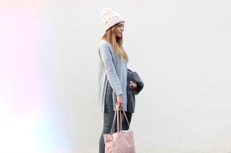 Grey side split jumper and pink bobble hat #nudes #neutral #sweater #zara #ootd #outfit #fblogger #fashionblogger #style