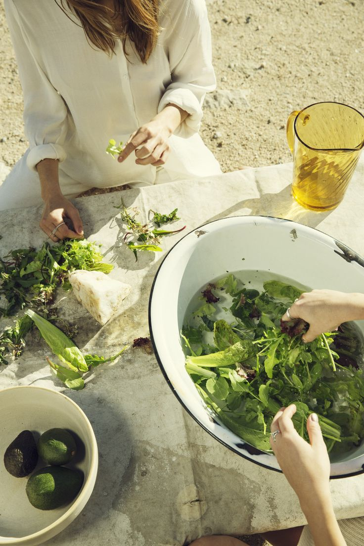 We used these big white bowls for shelling peas, shucking corn and more with Gracie.