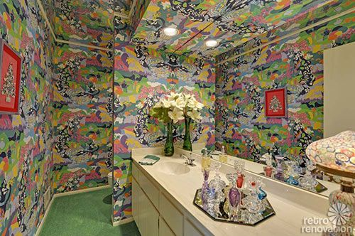 Completely mezmerised by this wallpaper in this amazing 1980's house!!! LUV.                                         via retrorenovation.com