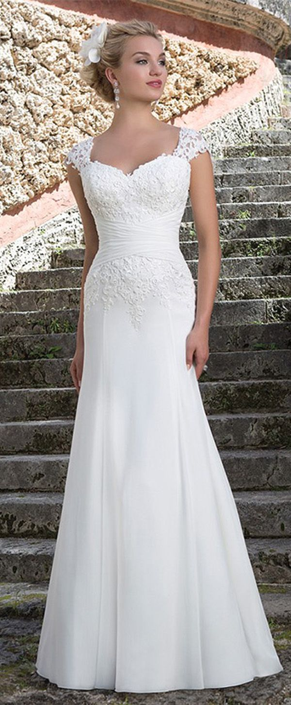 Fabulous Tulle & Chiffon Sweetheart Neckline Sheath Wedding Dresses With Lace Appliques