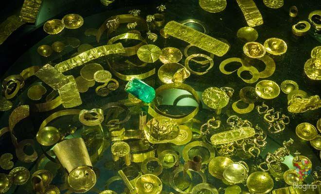 Colección del museo del oro del banco de la república Bogotá https://blogtrip.org/visita-museo-del-oro-bogota-colombia/