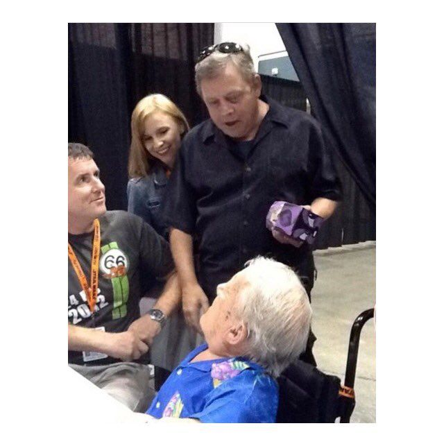 Chelsea Hamill ‏@chelseahamill  It was truly a privilege to get to know #KennyBaker over the years. He could always make me smile. He'll be missed